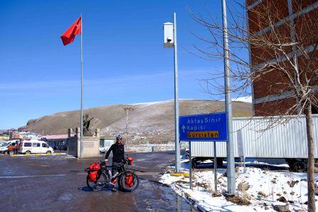 """En route vers le """"Gürcistan"""" (Géorgie)"""